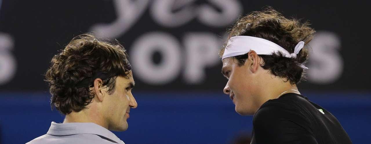 Federer desactiva el saque de Raonic para avanzar a cuartos.