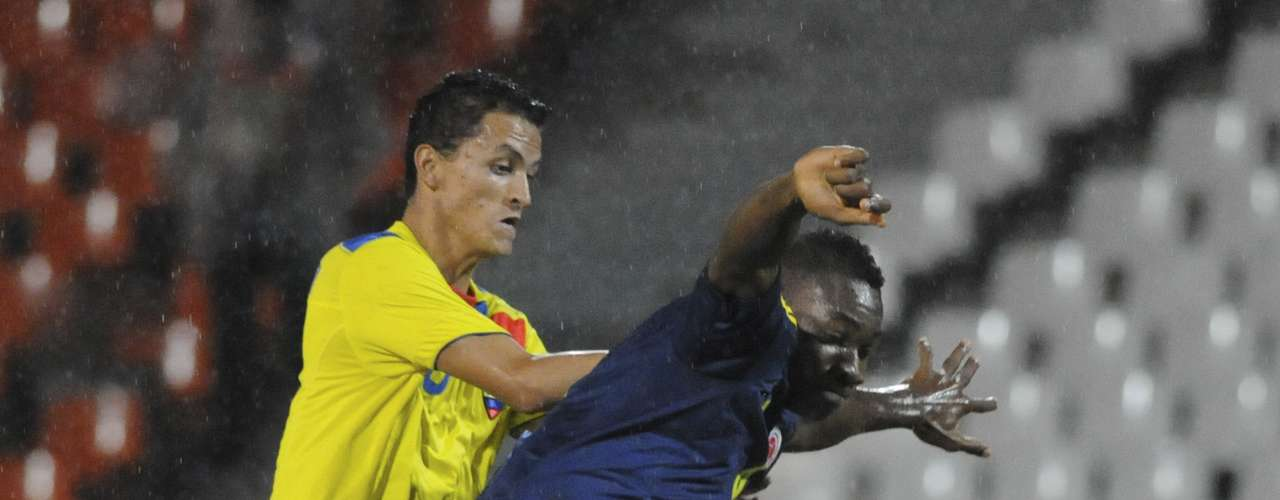 Colombia had more initiative and began to dominate play.