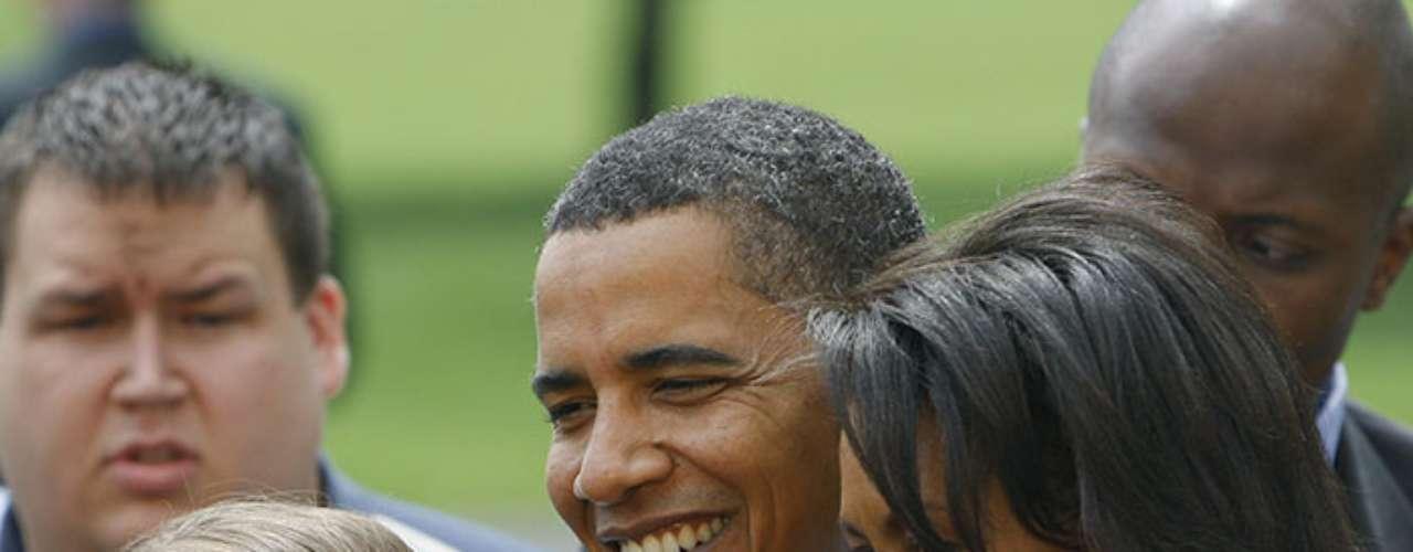 En 1988 una editorial le ofreció publicar sus memorias, y Obama regresó a su país natal, Kenia, para buscar sus raíces. Como resultado surgió su autobiografía, titulada 'Sueños de mi padre', en 1995, en la que Barack admite, entre otras cosas, haber consumido en algún momento de su vida marihuana y cocaína.