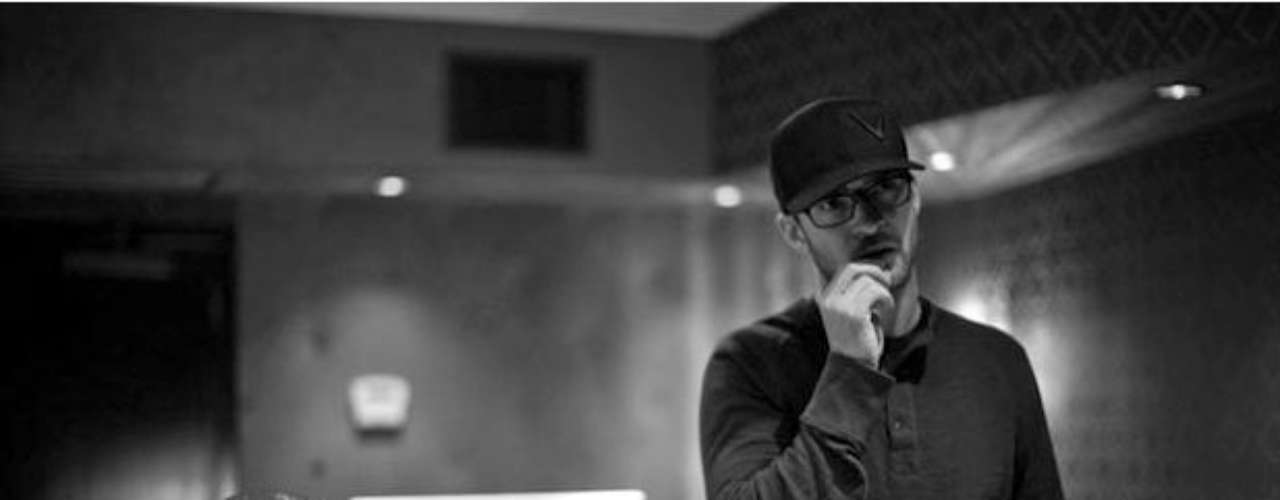JANUARY 21 - Justin Timberlake revealed a few new photos from the recording sessions for his upcoming albu, \