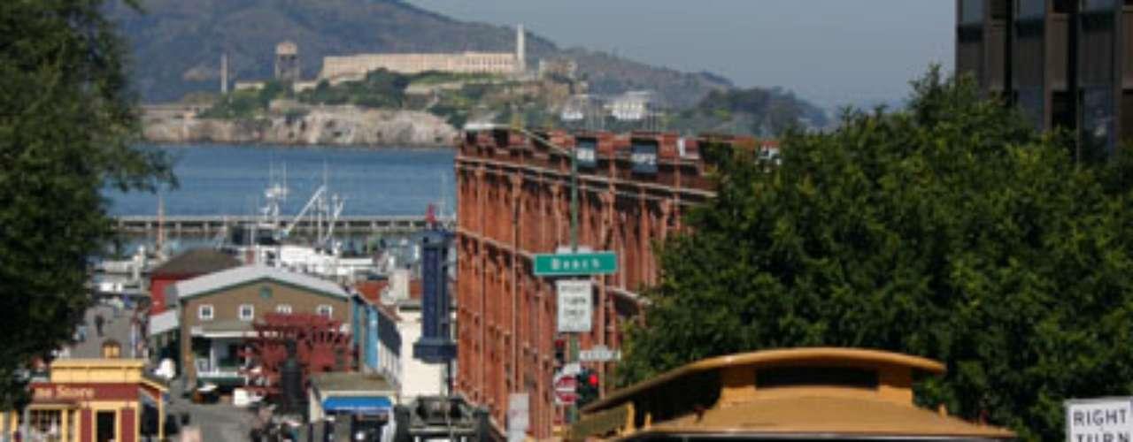 San Francisco, California: muchas mujeres peladean cuesta arriba para ir a trabajar todos los días. Aquí el promedio de mujeres que sufre de depresión es mucho más bajo que la media nacional. Además sólo el 8 por ciento de las mujeres fuma.