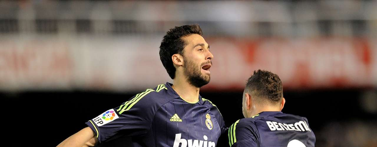 Alvaro Arbeloa celebrates with Benzema.