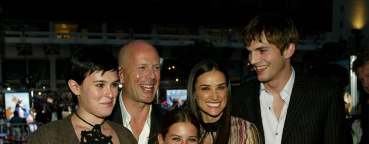 RUMER, SCOUT Y TALLULAH. Bruce Willis y Demi Moore son los padres de tres jóvenes con exóticos nombres. No, Ashton Kutcher no es hijo de la pareja, aunque en la foto lo parezca.