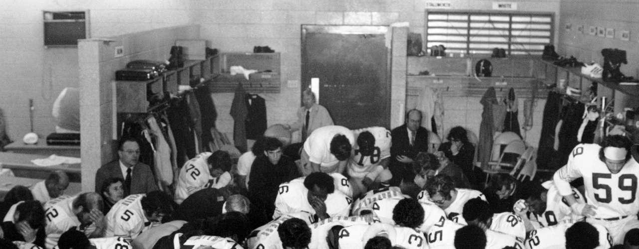Los Steelers de Pittsburg definieron los años 1970 con Terry Bradshaw y the Steel Curtain (el Telón de Acero), ganando los títulos en 1974, 1975, 1978 y 1979.