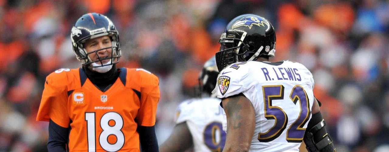 Peyton Manning es uno de los jugadores que a pesar de ser sacudido por las tackleadas de Lewis, reconoce su calidad.