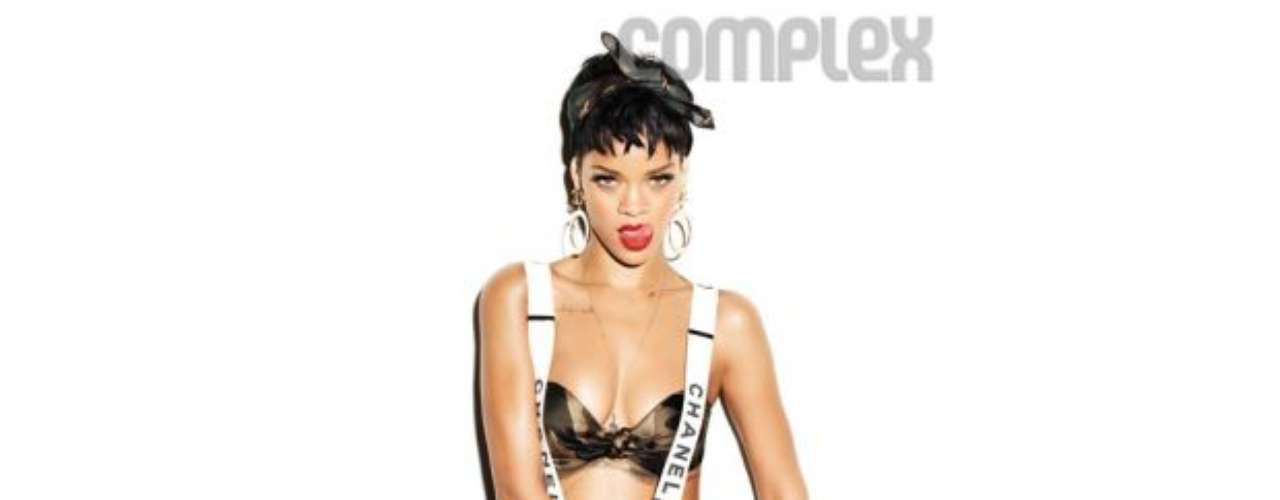 Rihanna asegura que la conexión que tiene con sus fans en las redes sociales se debe a que es auténtica con su forma de ser. \
