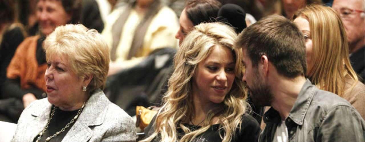 Los actos a los que la pareja ha acudido en Barcelona han sido numerosos, tanto de carácter privado como públicos. Desde una visita a los cines para ver la última de James Bond, en la que todavía no se veía su barriga, hasta la presentación del libro del padre de Shakira.