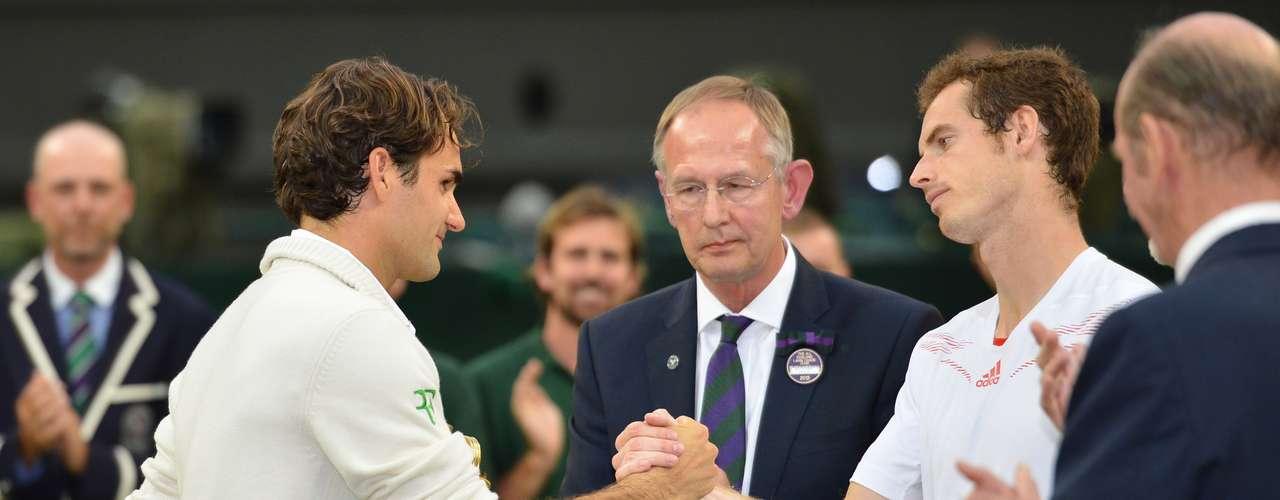 Histórico, así se puede definir la final de Wimbledon en el 2012. Una auténtica guerra de tres horas y media y cuatro sets, donde Federer ganó 4-6, 7-5, 6-3 y 6-4.