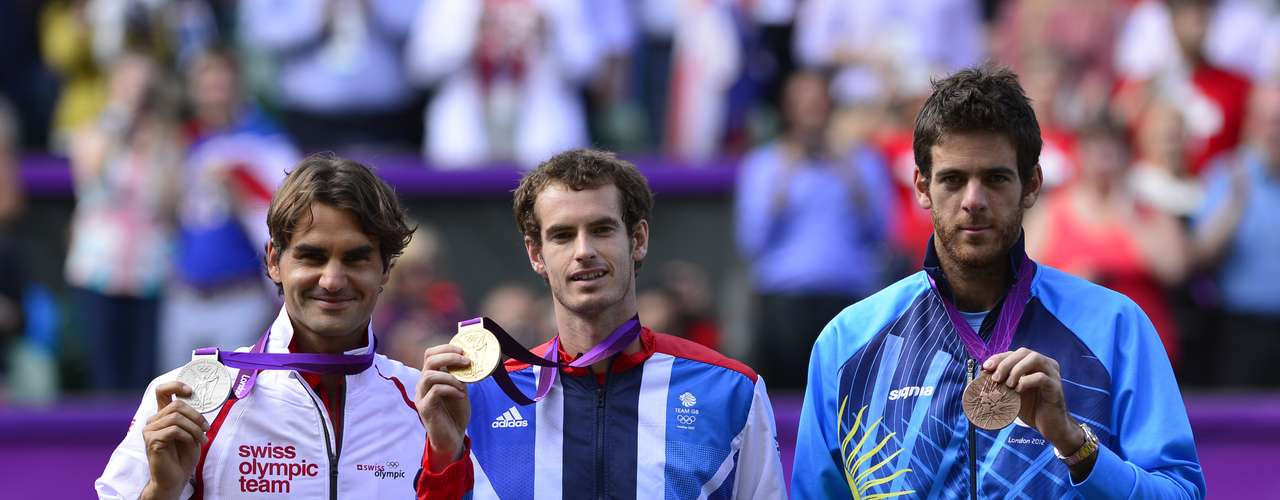 Pero la revancha llegaría muy pronto para Murray que se impuso en la batalla por la medalla de oro en los Juegos Olímpicos de Londres 2012. Tres sets y marcadores de 6-2, 6-1 y 6-4 le dieron el oro al local en la sede de Wimbledon.