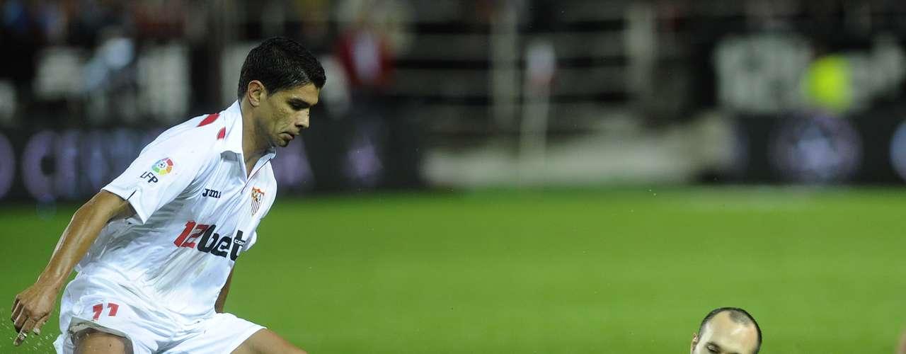 Lejos de todo pronóstico, Sevilla decidió jugarle a la ofensiva al Barcelona y no sólo defender la ventaja que consiguieron en la ciudad condal.