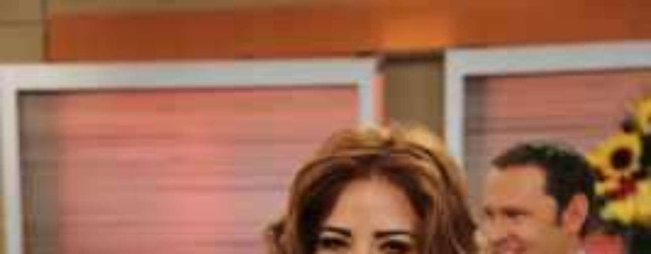 La cantante Gloria Trevi se presentó en la capital mexicana ante decenas de periodistas para confirmar que muy pronto llegará a la pantalla chica como protagonista de una nueva telenovela de Televisa. ¿Sabes cómo se llamará?Conoce a los personajes de 'Los Canarios'Dos actrices, un personaje... ¿Quién lo hizo mejor?Estrellas que le hicieron 'fuchi' a las novelasLos 50 rostros más bellos de las telenovelas