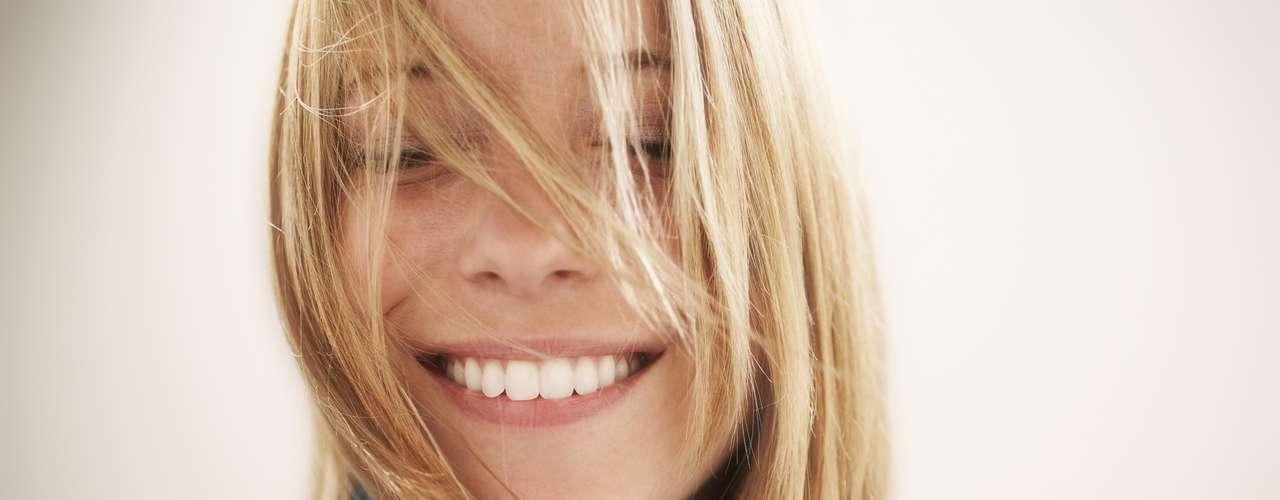Mejora el aspecto físico: Tanto en la primera fase del enamoramiento, como en las parejas estables de larga duración, \