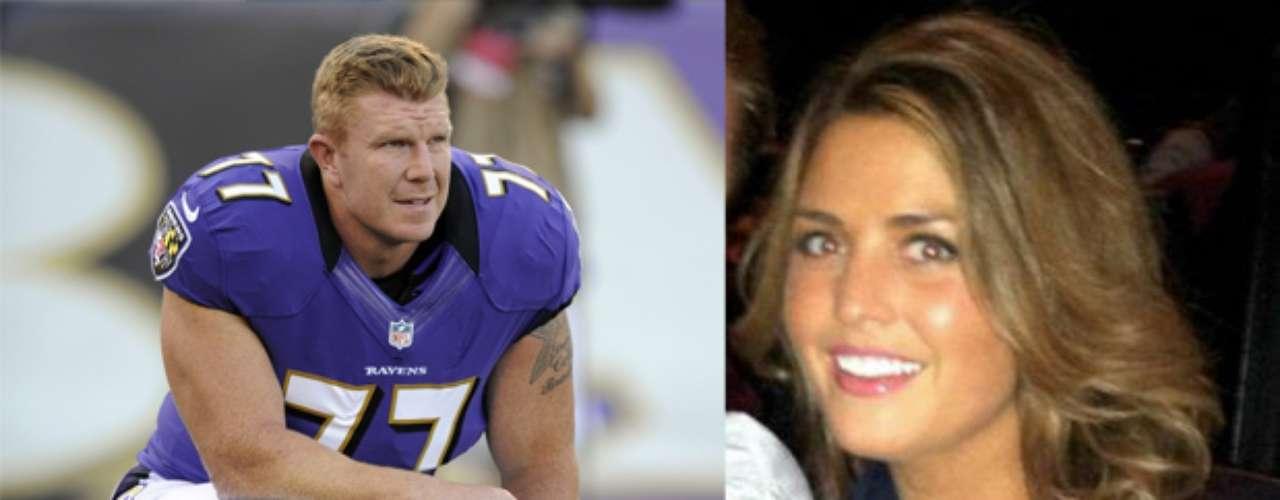 El poderoso centro de los Ravens, Mark Birk, está casado con la bellaAdrianna, que tomó el apellido de su esposo tras el matrimonio.