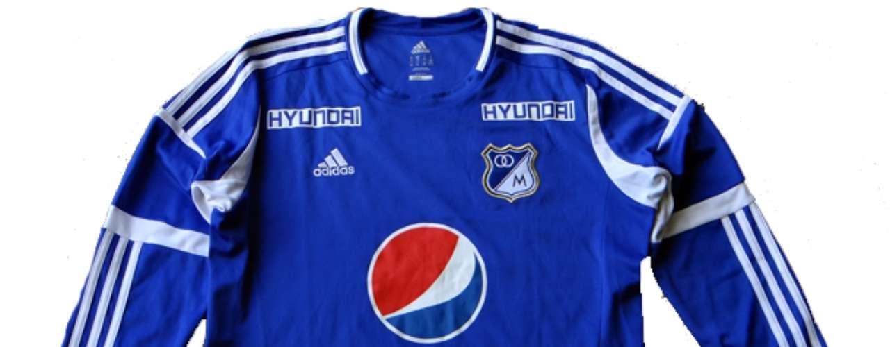 Camiseta utilizada en el año 2012 patrocinada por Hyundai