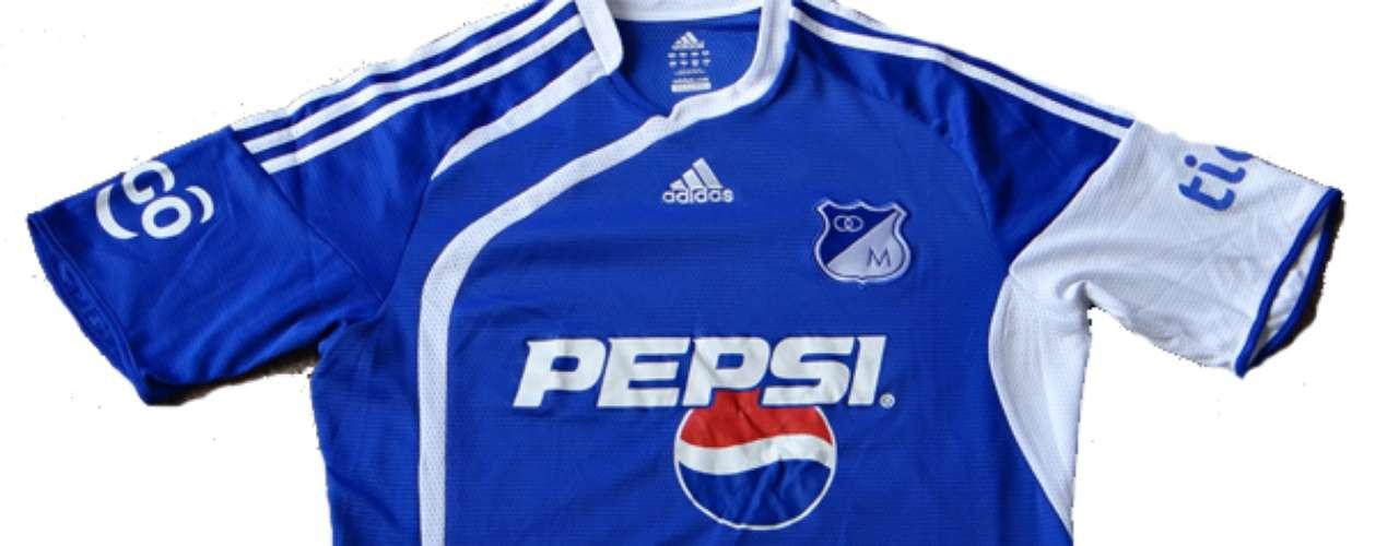 Camiseta marca Adidas utilizada por Millonarios durante la temporada 2009