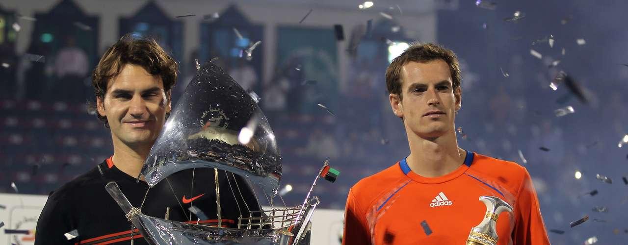 En tierra de petrodólares, Dubai, Federer se impuso a Murray en la final de uno de los torneos más vistosos.