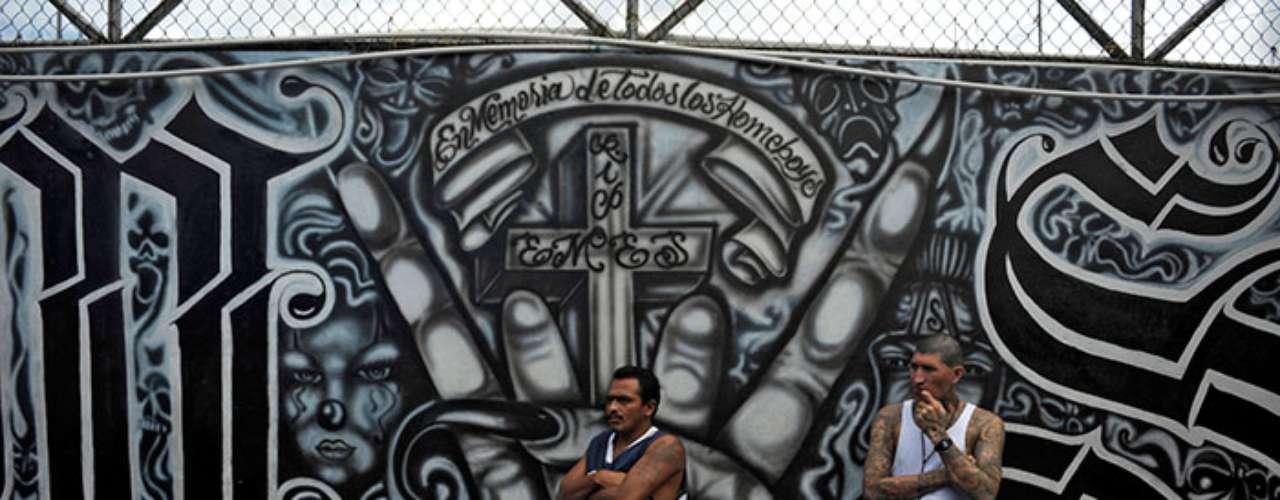 El problema de las pandillas encuentra un excelente caldo de cultivo en la pobreza y desocupación que sufre Latinoamérica, lo cual también provoca la emigración hacia Estados Unidos. (Fuente: Agencias)
