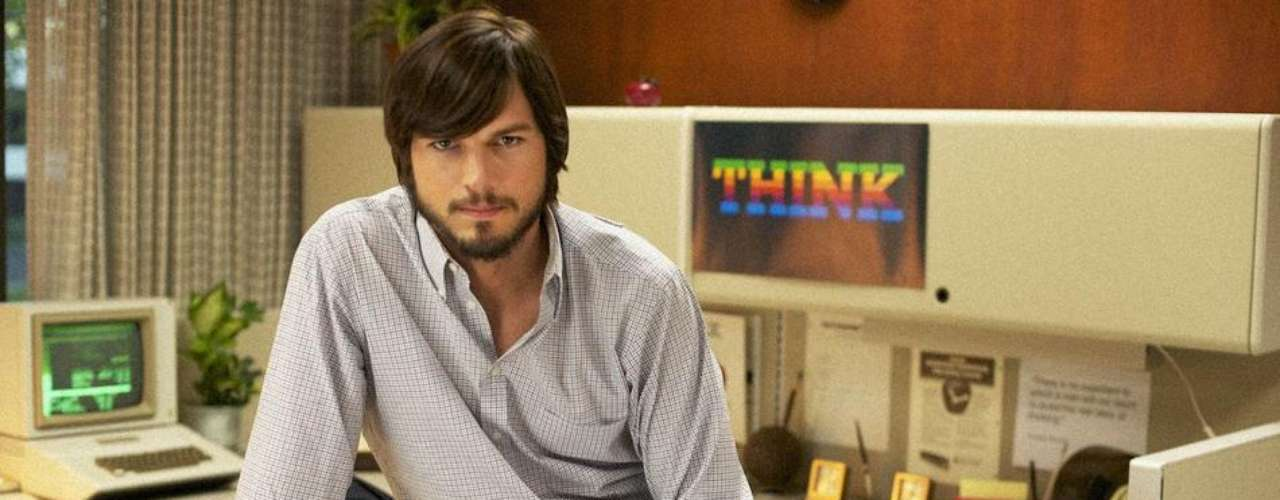 En 'Jobs', Ashton Kutcher interpreta a Steve Jobs, fundador de Apple.