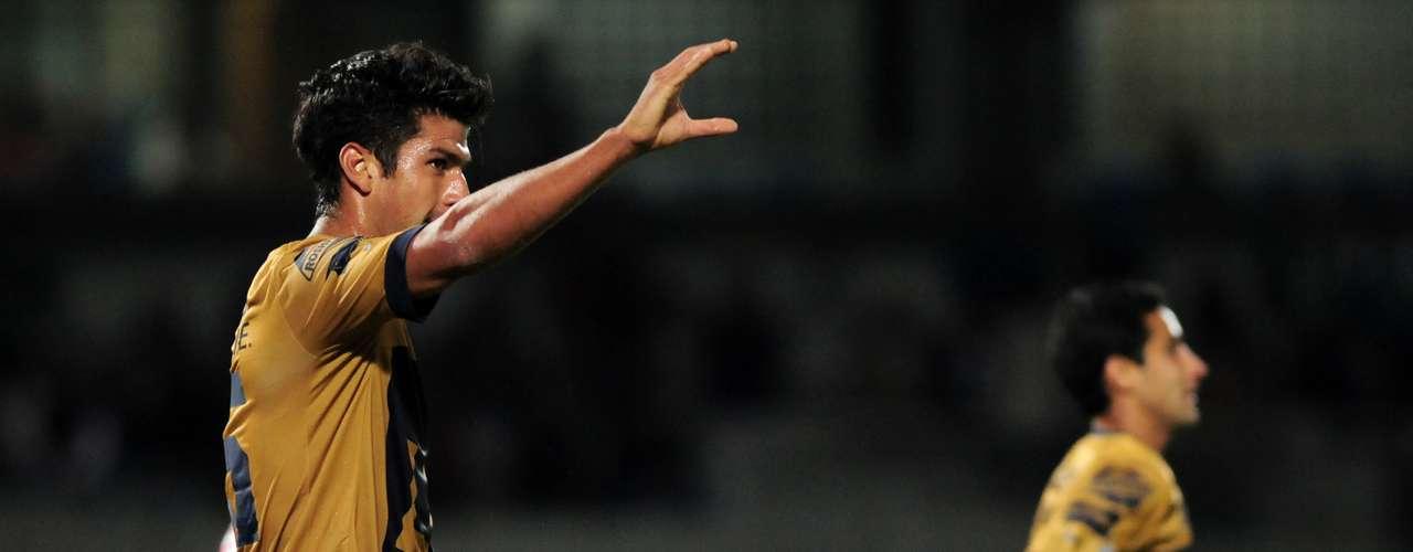 Eduardo Herrera firmó la 'manita' al lograr el quinto gol de Pumas.