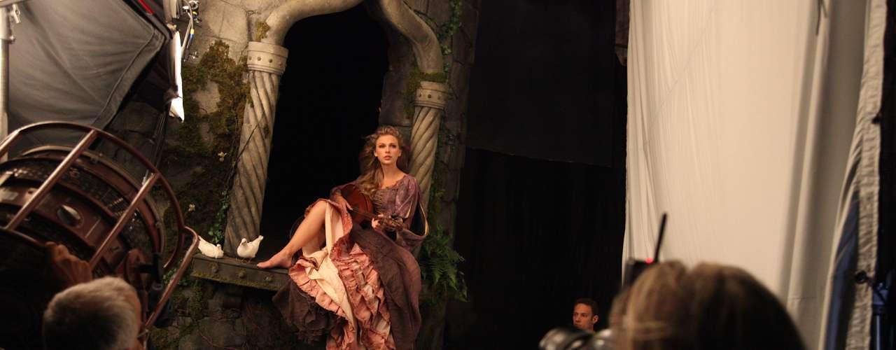 La imagen de Leibovitz, que aparecerá en los próximos números de la revista Vanity Fair, InStyle y People se titula: \