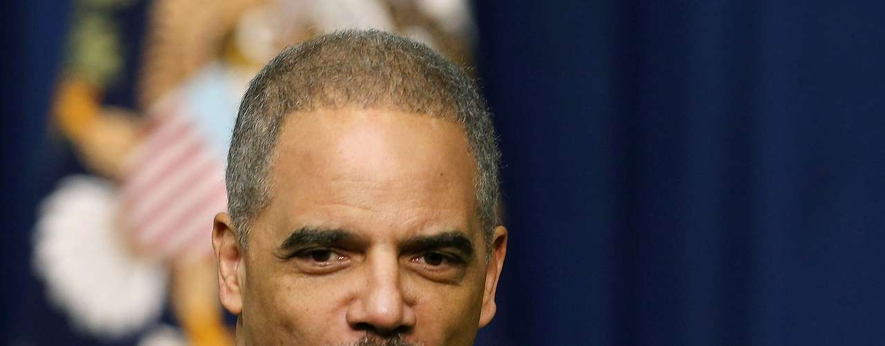 LOS QUE SE QUEDAN: El secretario de Justicia, Eric Holder, quien forma parte del grupo de trabajo de Obama centrado en reducir la violencia armada. Debido al escándalo de Rápido y Furioso, su permanencia estaba en entredicho.