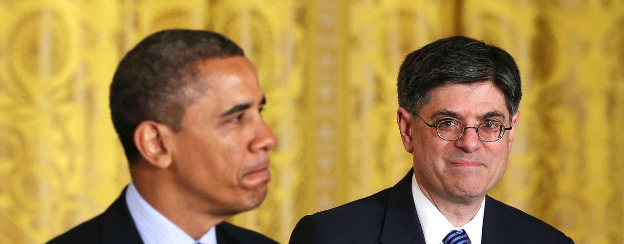 Jack Lew, quien fuera jefe de gabinete de Obama y anteriormente director de la Oficina de Presupuesto de la Casa Blanca, fue nominado para sustituir a Timothy Geithner al frente del Departamento del Tesoro.
