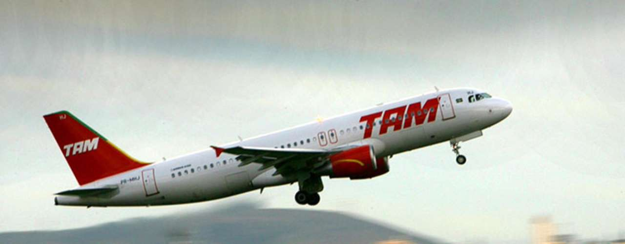 The second place goes to the Brazilian airlines TAM airlines. This company has had 5 lost fuselages and 336 deaths.