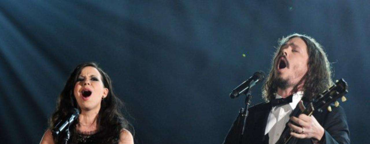 Joy Williams y John Paul White, el dúo de The Civil Wars, deleitaron con su música folk.