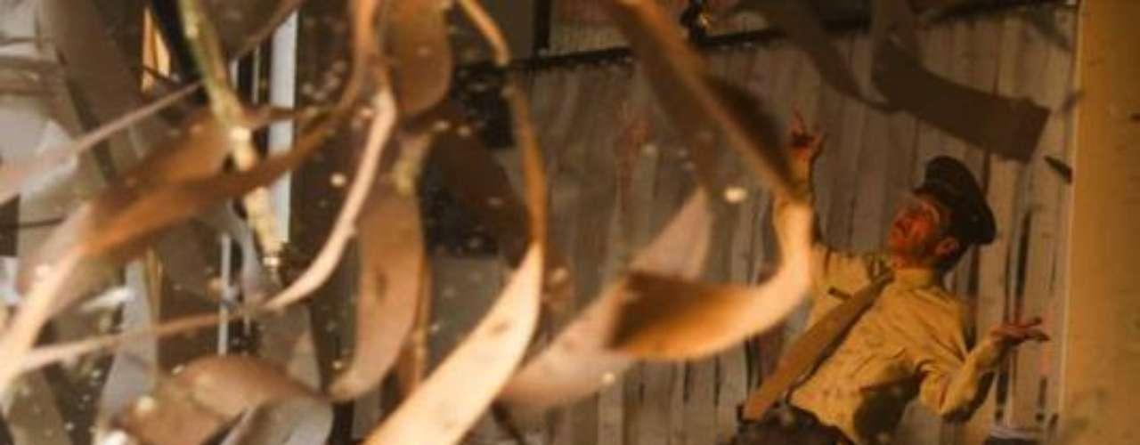 A través de un gran despliegue de tecnología, la serie de Escobar recordó uno de los peores atentados contra la prensa colombiana realizado al diario El Espectador el 2 de septiembre de 1989. En producción trabajaron más de 70 personas que hicieron posible esta explosión controlada.Entra a la página de 'Escobar, El Patrón Del Mal''Escobar, El Patrón del Mal', ¿quién es quién?Las Narco-novelas colombianas, polémicas y exitosasEllas son 'Las Muñecas de la Mafia'.