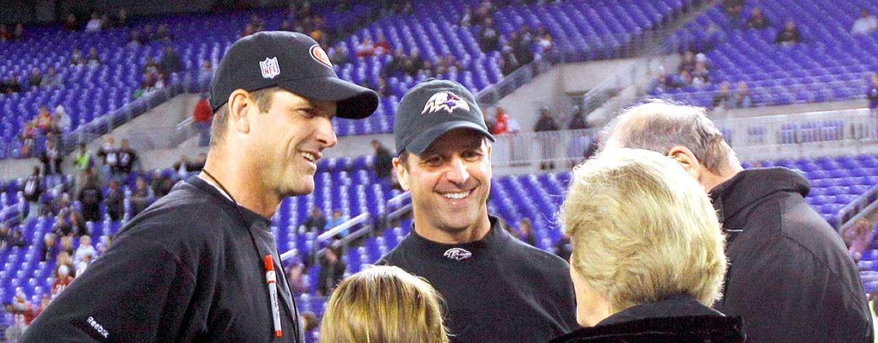 Jim y John Harbaugh no son la primera pareja de hermanos de estar en un Super Bowl, pero si son la primeros en llevar a su equipo al Súper Domingo como entrenadores en jefe.