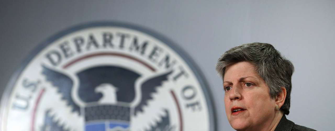 La secretaria de Seguridad Nacional, Janet Napolitano, sonaba como posible sustituta de Eric Holder, pero debido a la permanencia de éste, todo apunta a que ella también continuará en su puesto.