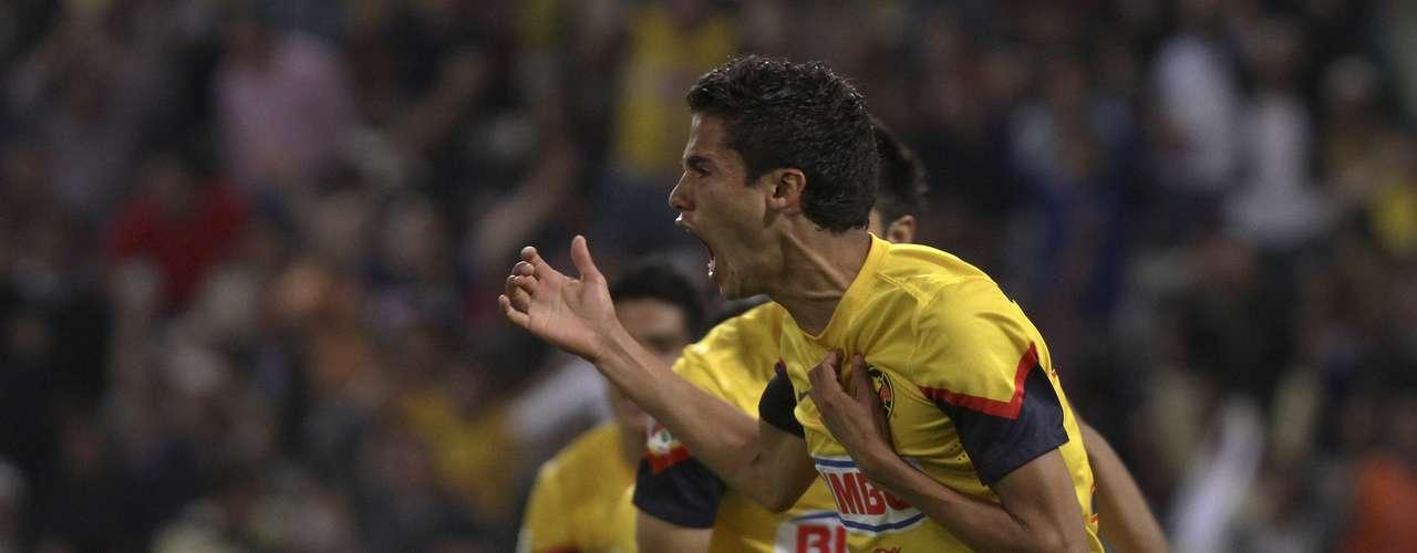 Diego Reyes abrió el marcador en remate de cabeza.