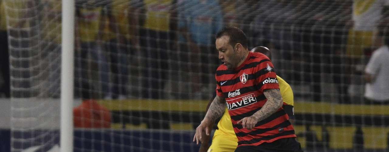 Vicente Matías Vuoso le puso intensidad al enfrentamiento contra su exequipo, pero no fue su mejor partido y salió de cambio.