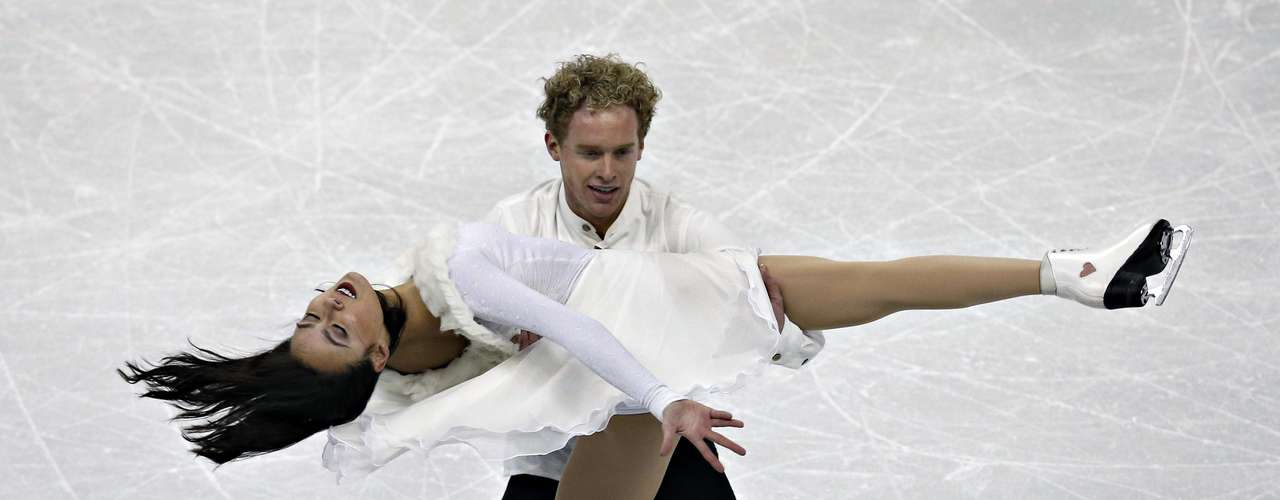 Madison Chock and Evan Bates compete during the free dance at the U.S. Figure Skating Championships in Omaha, Nebraska, January 26, 2013.  REUTERS/Jim Young  (UNITED STATES - Tags: SPORT FIGURE SKATING)