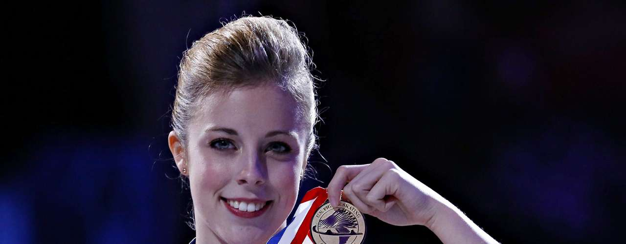 Ashley Wagner holds her gold medal won in the Ladies competition at the U.S. Figure Skating Championships in Omaha, Nebraska, January 26, 2013.  REUTERS/Jim Young  (UNITED STATES - Tags: SPORT FIGURE SKATING)