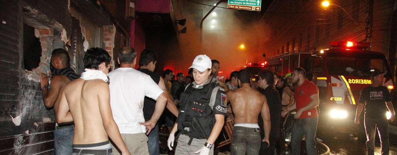 Los casos más complejos de quemaduras fueron trasladados a Porto Alegre (capital del Estado), en donde ha sido montado un centro especial para este tipo de atención.