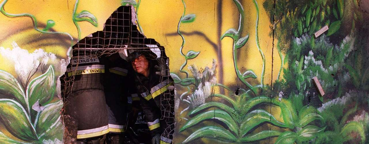 20 de octubre de 2000 - Veinte personas mueren calcinadas en un incendio en la discoteca \