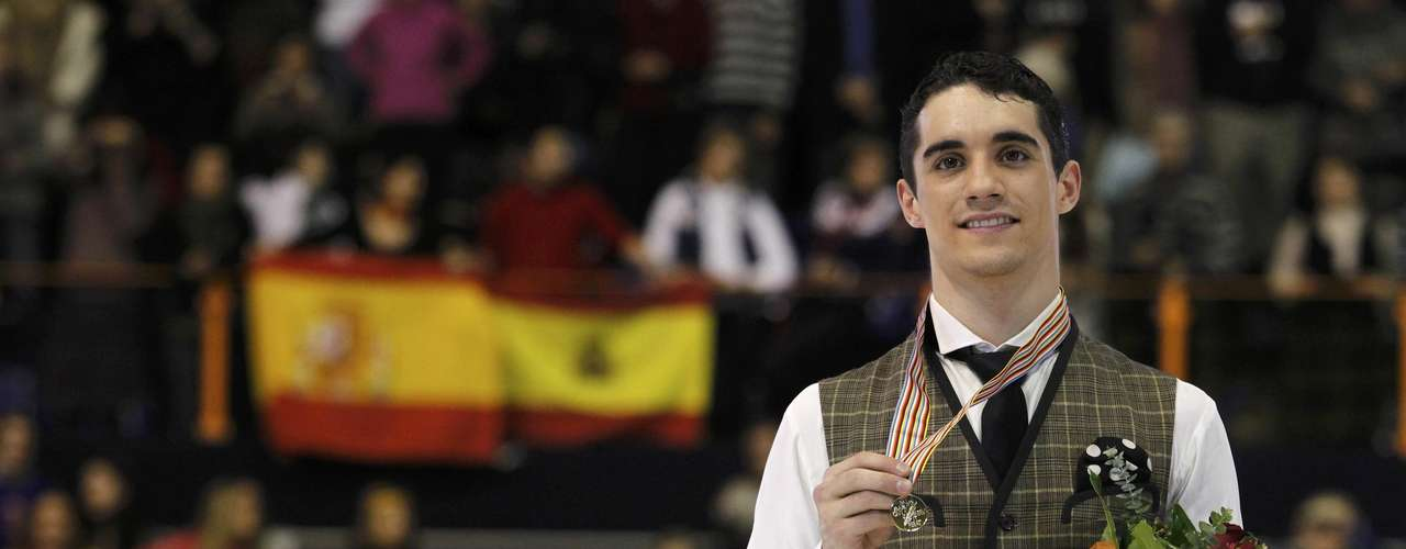 Gold medallist Javier Fernandez of Spain poses during the award ceremony for the men's skating at the European Figure Skating Championships in Zagreb January 26, 2013.   REUTERS/Antonio Bronic (CROATIA  - Tags: SPORT FIGURE SKATING)