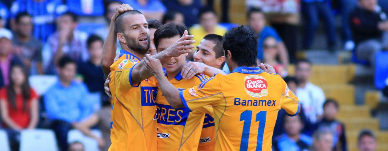 Tigres defeated Queretaro 2-0 with goals from Emanuel Villa and Danilinho.