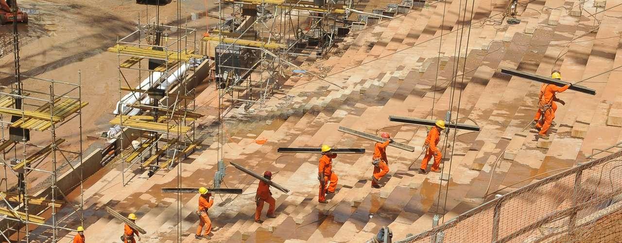 28 de enero 2013: En un principio, el proyecto de Brasilia fue presupuestado en 344 millones de dólares.