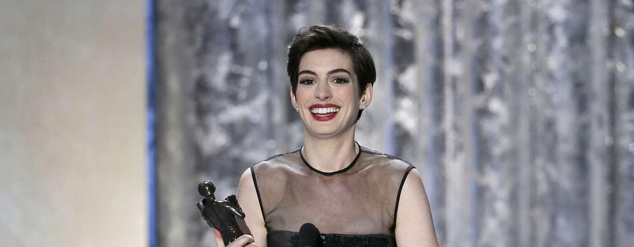 Anne Hathaway gana como Mejor Actriz de Reparto por 'Les Misérables'. ¿Será que está lista para ganar el Oscar?