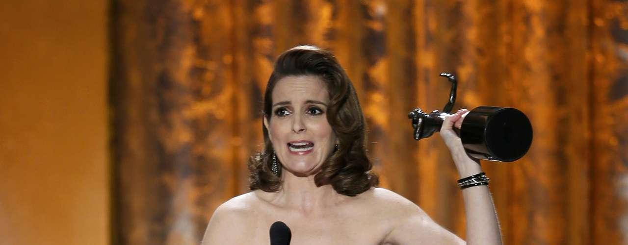 Tina Fey agradece su premio al sindicato de actores y lo dedica a su esposo