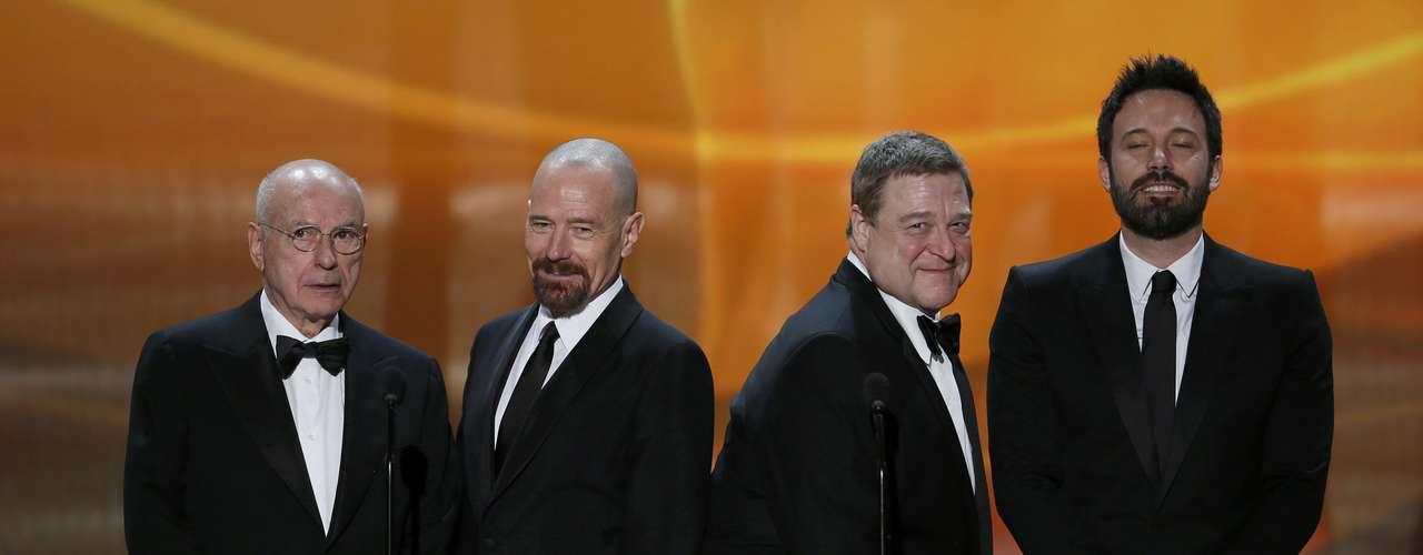 Alan Arkin, Bryan Cranston, John Goodman y Ben Affleck presentan un clip de la película \