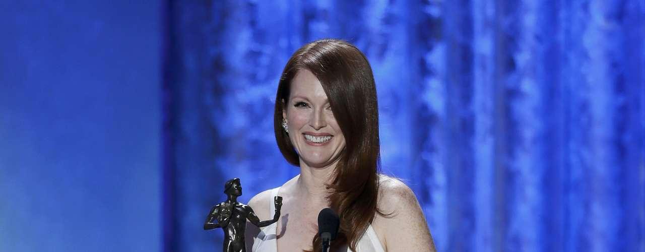 Julianne Moore acepta su premio SAG por su personaje en \