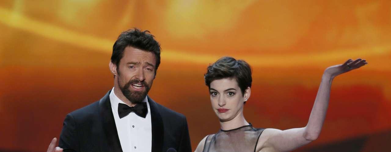 Hugh Kackman y Anne Hathaway presentan un clip de \