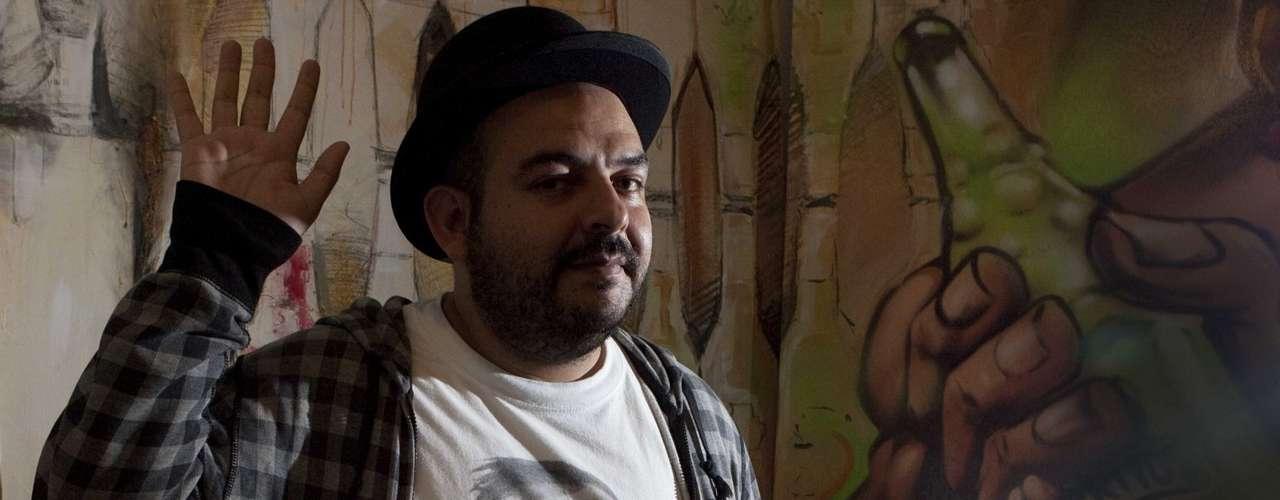 El Instituto Mexicano del Sonido, cuyo líder Camilo Lara prepara una sorpresa especial para el Vive Latino con los Ángeles Azules, se presentó en la edición 2009 del festival.