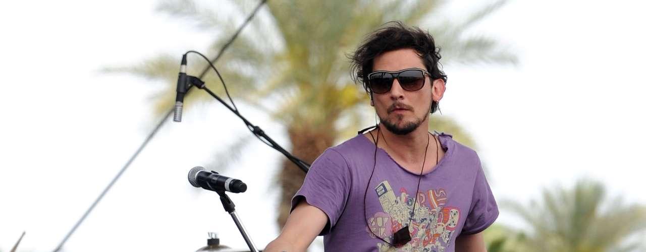 Además de tener presencia en varias partes de Europa y América Latina, sobre todo con su álbum unplugged, 'Música de Fondo', Zoé piso Coachella en 2010.