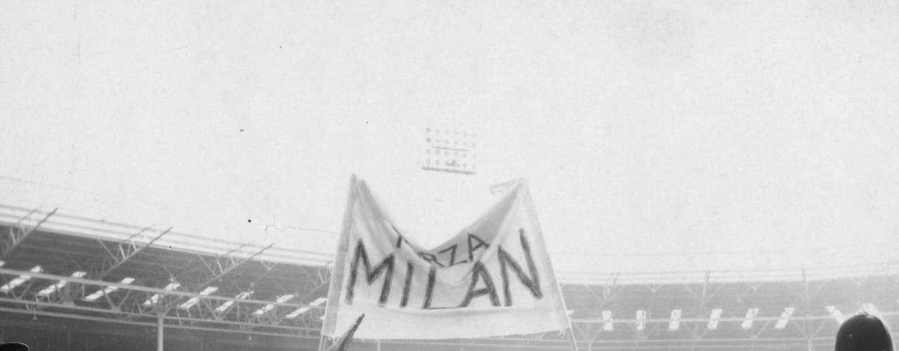 Milan ganó su primera Copa de Europa al derrotar en Wembley 2-1 al Benfica de Eusebio en la temporada 1962-63