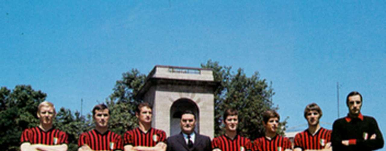 Este fue el equipo rossonero que conquistó el segundo campeonato de Europa al vencer 4-1 al Ajax en la temporada 1968-69