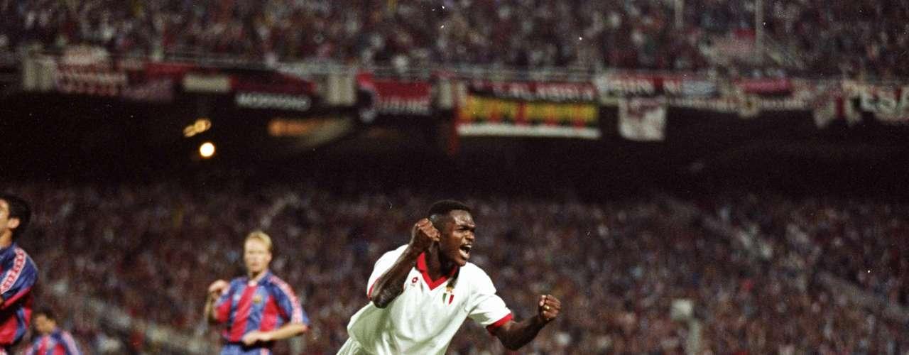 Marcel Desailly festeja elgol ante Barcelona en la Final de 1994 con el que puso cifras definitivas con un escandaloso 4-0